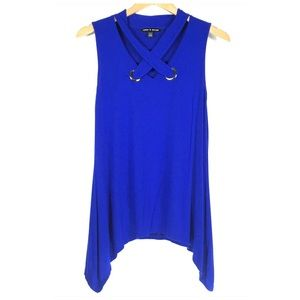 Cable & Gauge Blue Sleeveless Blouse Size Small